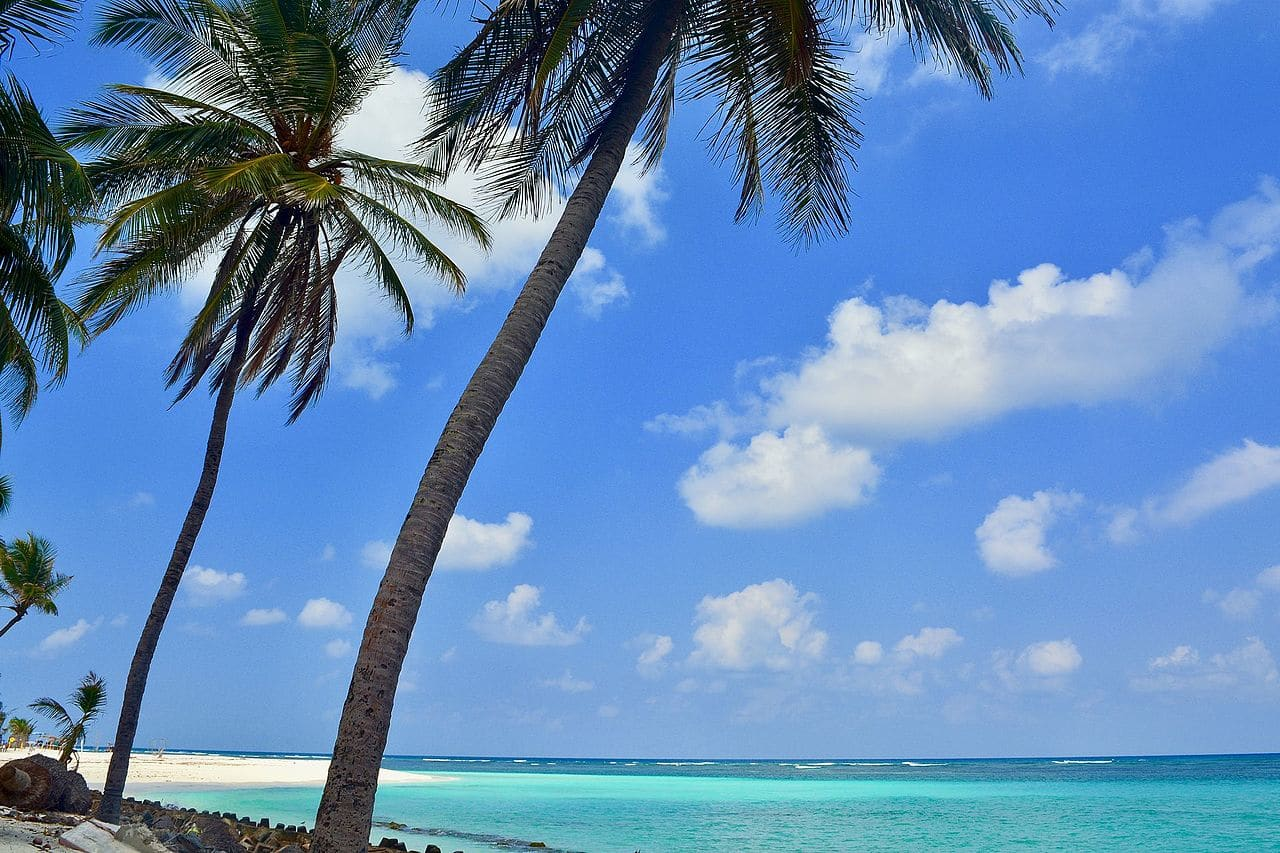 Picturesque Lakshadweep- Blue water and white sand